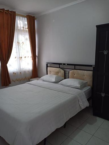 Villa 4 Kamar Kolam Renang Pribadi , Bogor