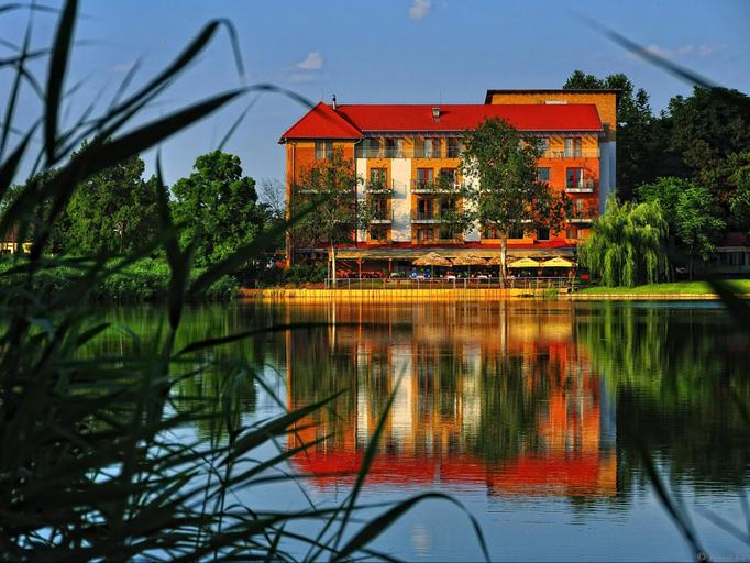Hotel Corvus Aqua (Pet-friendly), Orosház
