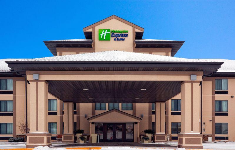 Holiday Inn Express & Suites Winner, Tripp