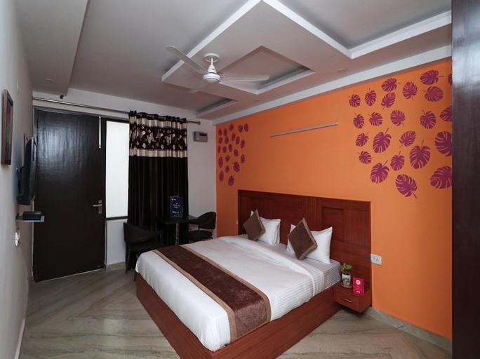 OYO 16168 Maira Grand, Faridabad