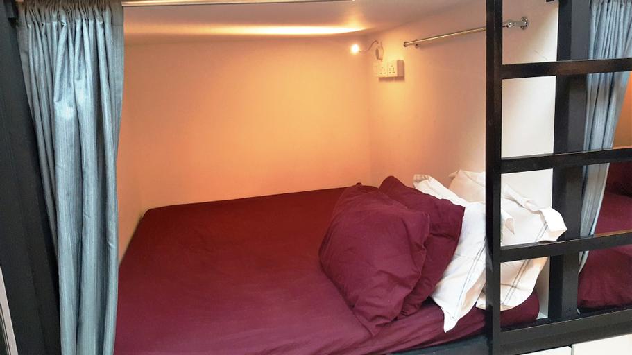 Meadows Hostel (SG Clean Certified), Rochor