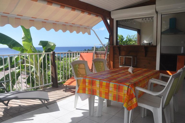 Bungalow With 2 Bedrooms in Bouillante, With Wonderful sea View, Furni, Bouillante