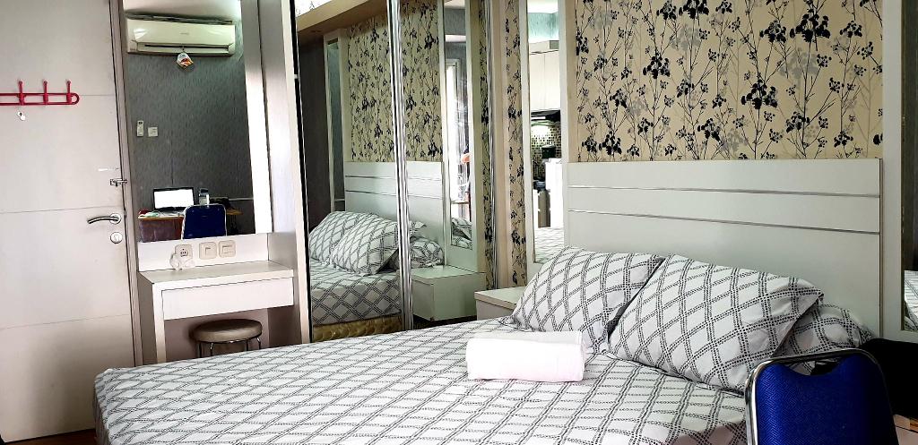Cozy Room @Bassura-F free Netflix & YouTube, East Jakarta