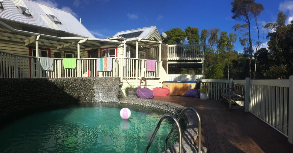 Hekerua Lodge Backpackers, Auckland