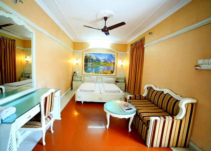 Hotel Naveen, Meerut