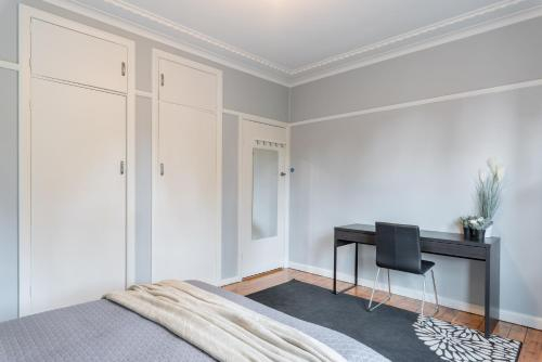 1 Private Double room in Carramar 1 Minute Walk To Station - ROOM ONLY, Fairfield - East