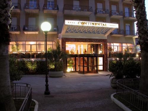 Continental, Napoli