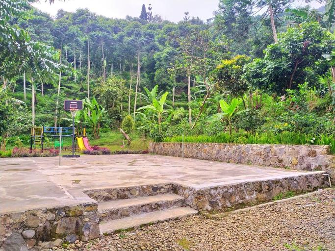 Sewa Villa 6 Kamar Cisarua Puncak, Bogor