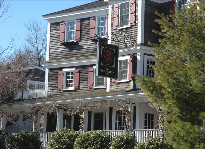 The Red Lion Inn Resort 1704, Norfolk