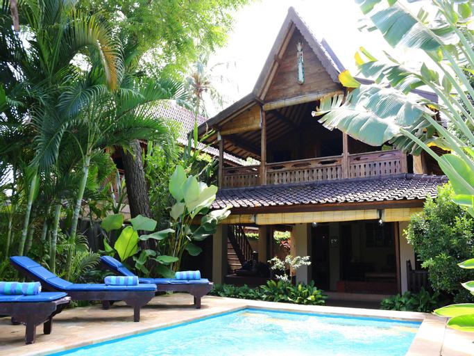 2bed Beachfront Pool house at Lovina Beachhouse, Buleleng