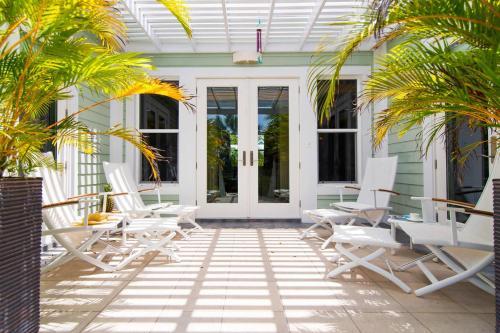 Pomegranate Cottage by Grand Cayman Villas,