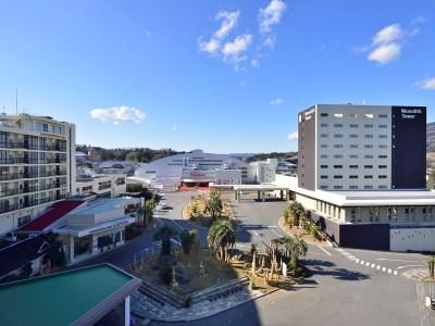 Hotel Hawaiians, Iwaki