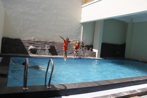 Villa Hanyomi, Malang