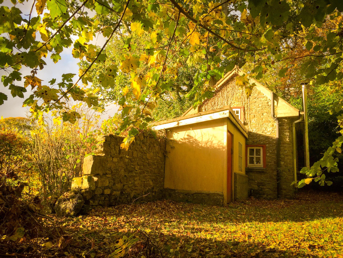 Roundwood House Cottages,