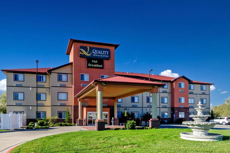 Quality Inn & Suites, Sedgwick