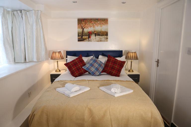 Isledon Hotel, London