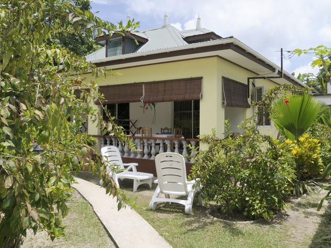 Pension Hibiscus Guesthouse,
