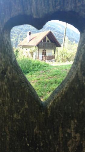 Hisa V Sadovnjaku, Kobarid