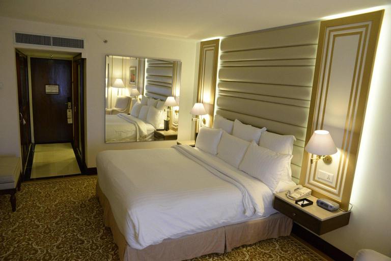 Karachi Marriott Hotel, Karachi