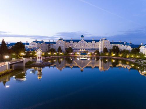 Disney's Newport Bay Club®, Seine-et-Marne