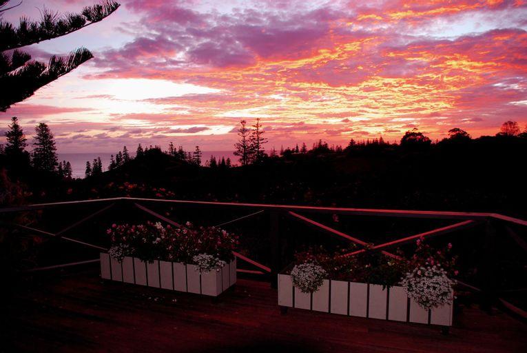 Cascade Garden Apartments, Norfolk Island