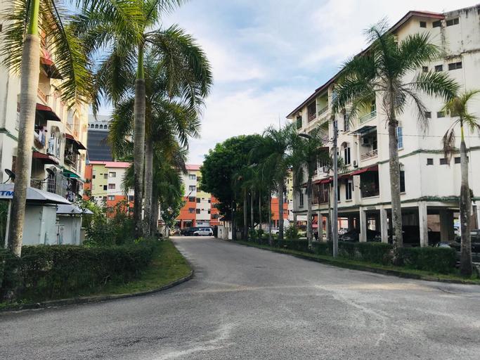 MIDTOWN GUEST HOUSE- NEAR PASAR PAYANG & JETTY, Kuala Terengganu
