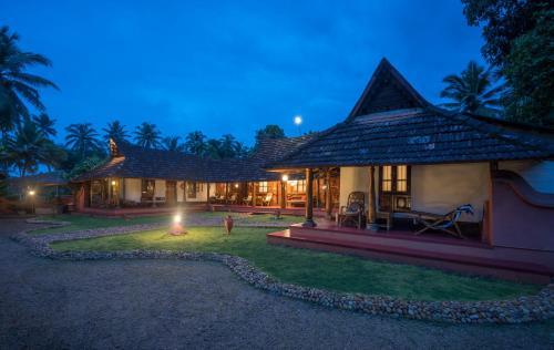 Exquisite Retreat, Fishing, Spice & Fruit Garden, Alappuzha
