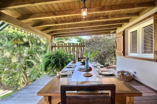 Jolie villa 2ch ancree dans un ecrin de nature, situee entre les deux plages du Diamant, Le Diamant