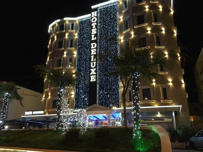 Hotel Deluxe, Tiranës