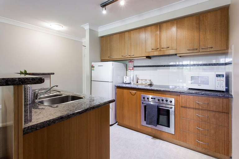 A Comfy 2BR Home, Top Location, FREE Parking, Perth