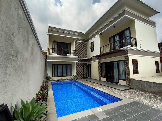Villa 4 Kamar Cisarua Puncak, Bogor