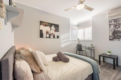 Boutique Private Rm situated in the heart of Burwood 6 - ROOM ONLY, Burwood