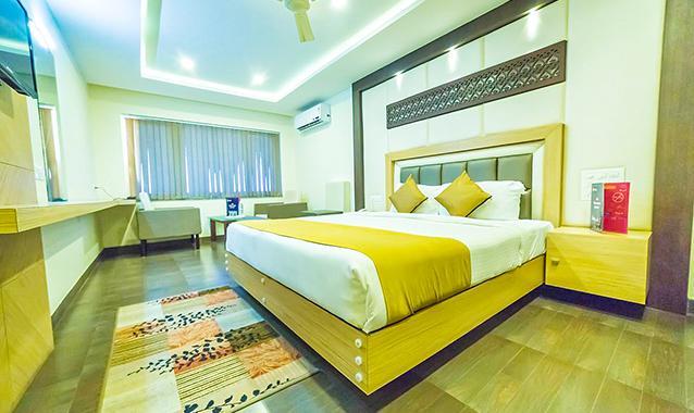 OYO 1774 Hotel Keerthi's Anupama, Krishna