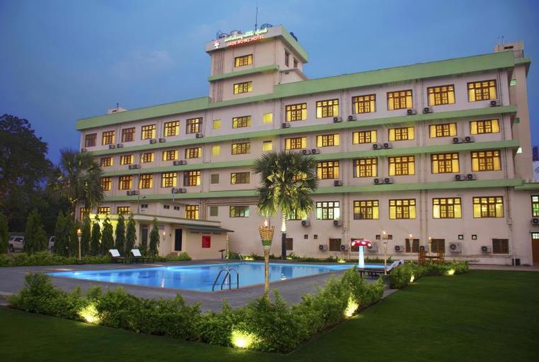 Jade Royal Hotel, Monywa