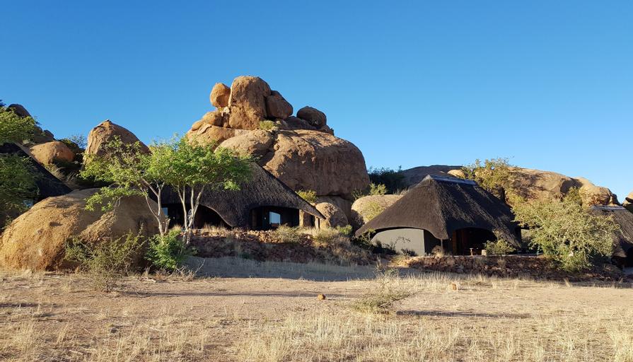 Ai Aiba - The Rockpainting Lodge, Omaruru