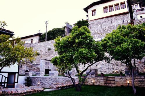 Hotel Belgrad Mangalem, Beratit