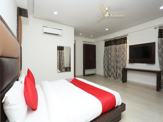 OYO 22956 Grand Residency, Gautam Buddha Nagar