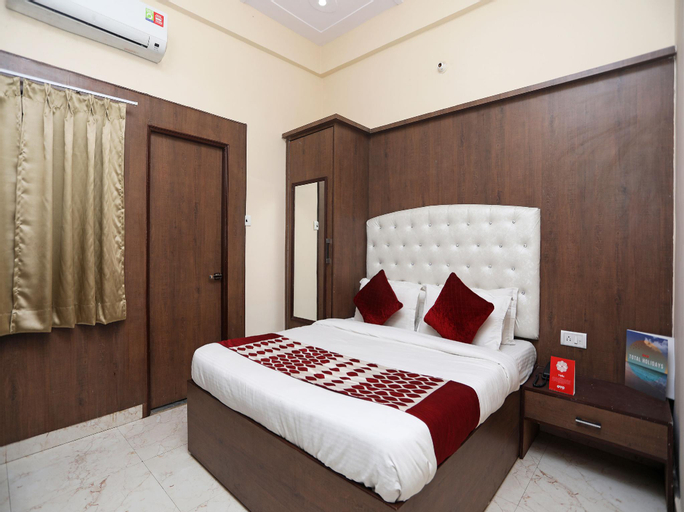 OYO 14949 Hotel Shashi Residency, Mathura