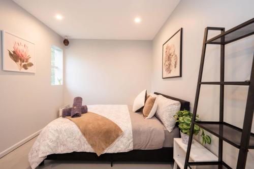 Quiet Private Room In Strathfield 3min to Train Station G4 - ROOM ONLY, Burwood