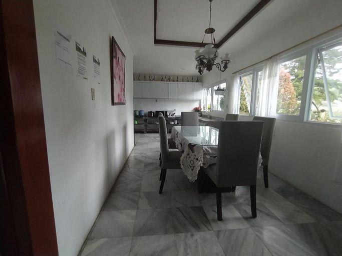 Villa Bany 4 Kamar Billiard, Tenis Meja Cisarua, Bogor