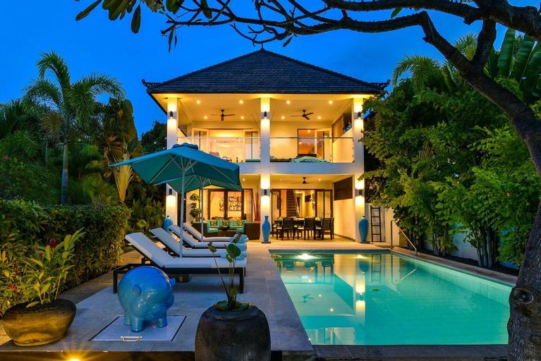 Private & Cozy Pool Villa w/ Charming Beach View, Buleleng