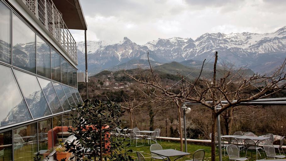 Hotel Gefiri Plakas, Epirus