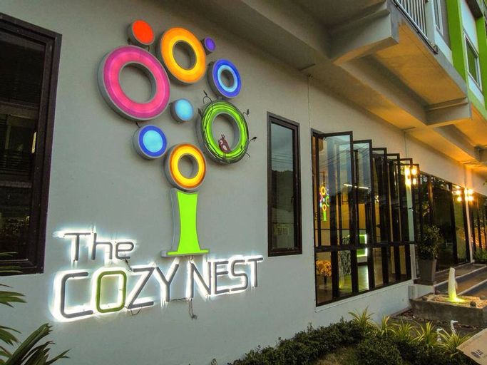 The Cozy Nest Boutique Rooms Guest House, Muang Phayao