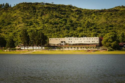 Amerian Villa Del Dique, Calamuchita