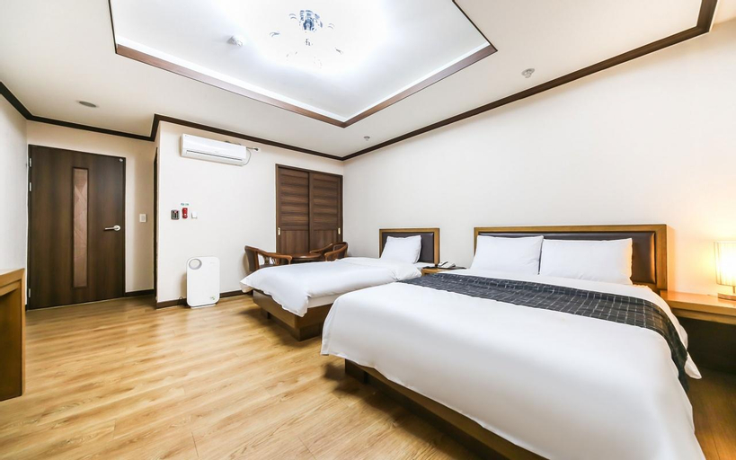 Modern business hotel, Gumi