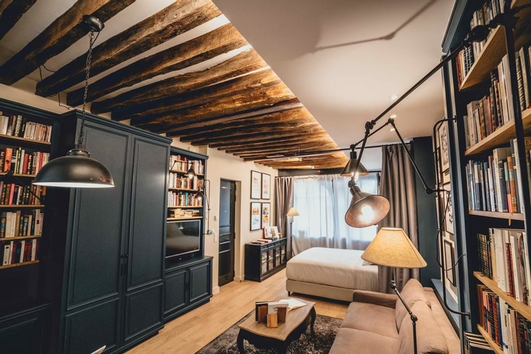 """Paris Boutik - Suite """"La Librairie du Marais"""", Paris"""