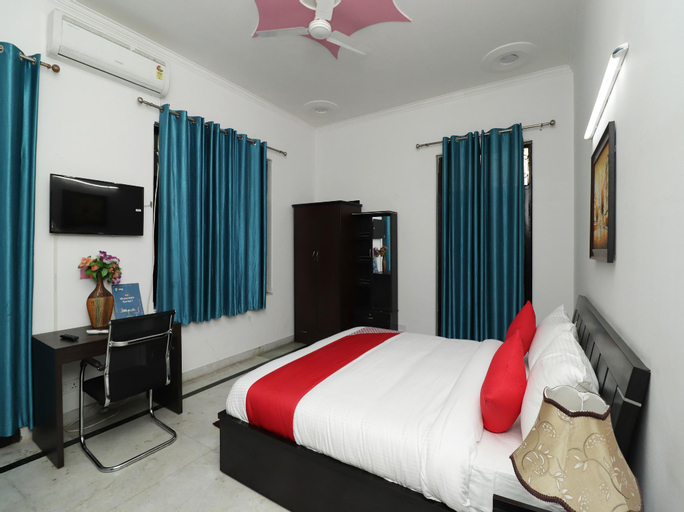 OYO 28612 The Heaven Inn, Gautam Buddha Nagar