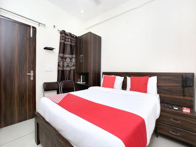 OYO 15620 Hotel Dynasty, Sahibzada Ajit Singh Nagar