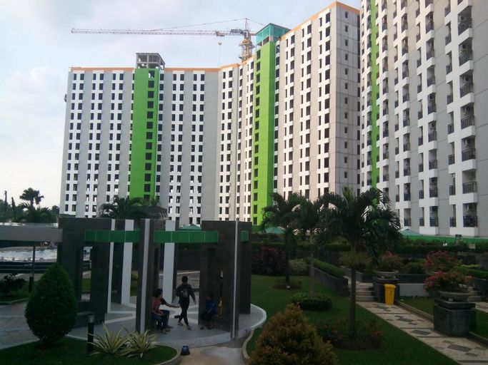 Apartment Green Lake View by Hexa Room, Tangerang Selatan