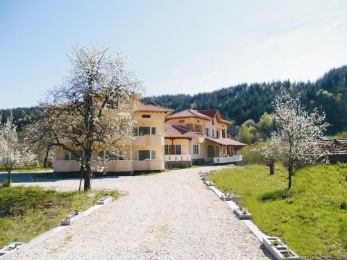 Guest House Pandukov, Apriltsi